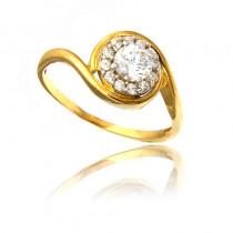 Złoty pierścionek o awangardowym kształcie