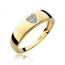 Uroczy złoty pierścionek z diamentami ułożonymi w kształt serca