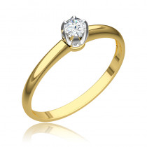 Klasyczny pierścionek zaręczynowy z okazałym diamentem