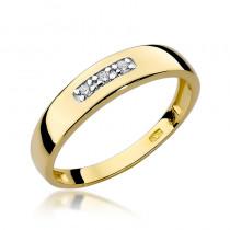Urzekający złoty pierścionek ozdobiony diamentami