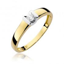 Wyszukany złoty pierścionek z brylantem