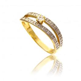 Złoty bogato zdobiony pierścionek