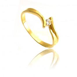 Urokliwy subtelny złoty pierścionek z cyrkonią