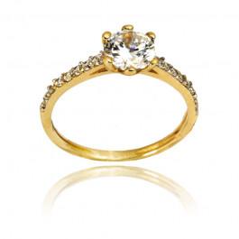 Efektowny złoty pierścionek z wyjątkowo lśniącymi kryształami