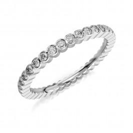 Złoty pierścionek bogato wysadzany cyrkoniami pr.333