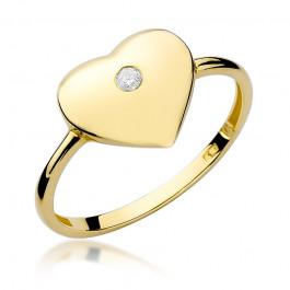 Uroczy złoty pierścionek w kształcie serca z diamentem