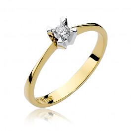 Klasyczny złoty pierścionek zaręczynowy z okazałym diamentem