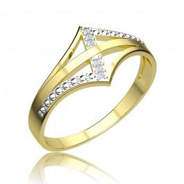 Oryginalny złoty pierścionek z diamentami