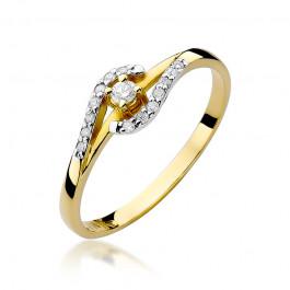 Zniewalający złoty pierścionek bogato zdobiony brylantami
