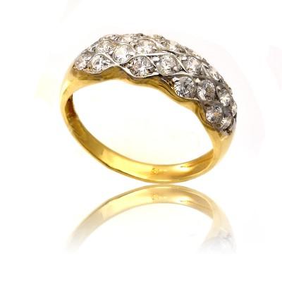 Złoty pierścionek rozświetlony cyrkoniami