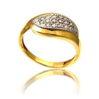 Wytworny złoty pierścionek rozświetlony cyrkoniami