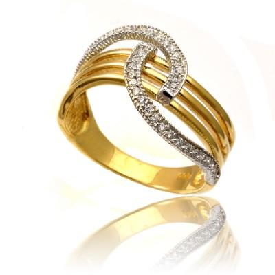 Stylowy błyszczący złoty pierścionek