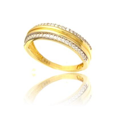 Złoty wytworny pierścionek