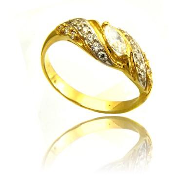 Złoty szykowny pierścionek