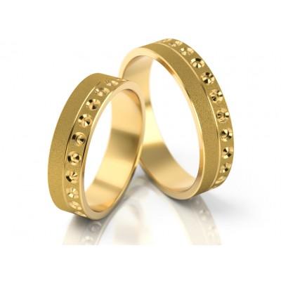 Jednolite obrączki ślubne o ciekawym zdobieniu