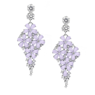 Eleganckie srebrne kolczyki z gustownym zdobieniem