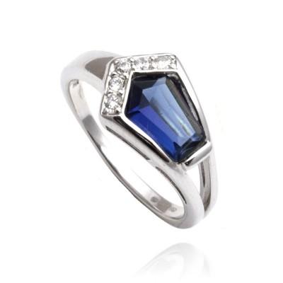 Srebrny pierścionek bogato zdobiony