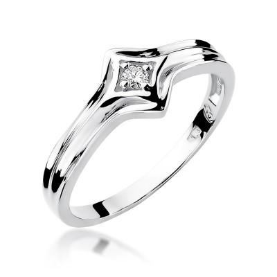 Finezyjny pierścionek z białego złota z diamentem