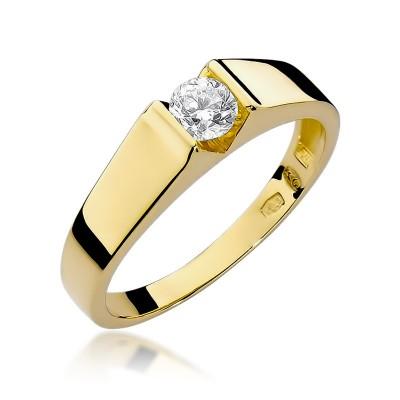 Elegancki złoty pierścionek zaręczynowy z okazałym diamentem