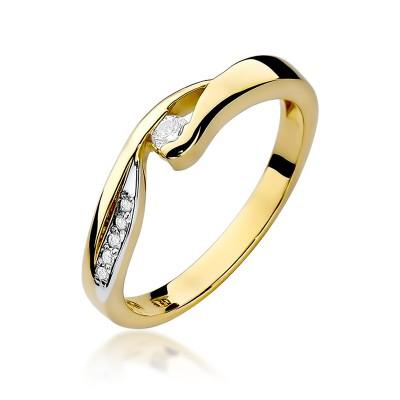 Stylowy złoty pierścionek ozdobiony białym złotem i diamentem