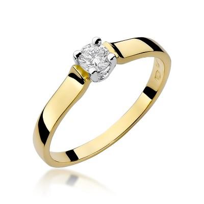 Wyszukany złoty pierścionek zaręczynowy z brylantem
