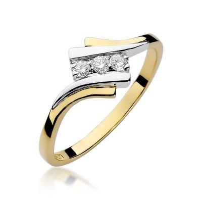 Oryginalny złoty pierścionek ozdobiony diamentami