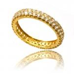 Szykowny złoty pierścionek z cyrkoniami