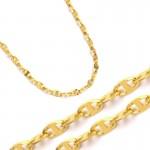 Ozdobny złoty łańcuszek
