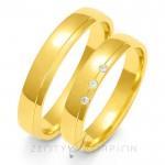 Obrączki ślubne z żółtego złota ze zdobieniem na brzegu