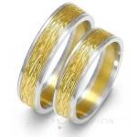 Żółto-białe obrączki ślubne z wykończeniem stylowym