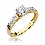 Okazały złoty pierścionek wysadzany brylantami