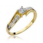 Olśniewający złoty pierścionek zaręczynowy z brylantami